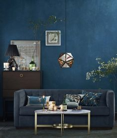 Blue Living Room Decor - What should I put on my living room walls? Blue Living Room Decor - How should I arrange my living room furniture? Blue Living Room Decor, New Living Room, Home And Living, Living Room Designs, Living Room Furniture, Room Color Schemes, Room Colors, Home Design, Dark Walls