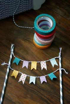 transglobal pan party: DIY: FÄHNCHEN-GIRLANDE You are in the right place about small DIY Gifts Here we offer you the most beautiful pictures about the DIY Gifts for girlfriend you are looking for. Diy And Crafts, Paper Crafts, Upcycled Crafts, Summer Crafts, Creative Crafts, Fall Crafts, Fabric Crafts, Christmas Crafts, Flag Garland