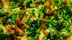 Salată de crudități cu paste, porumb și maioneză Paste, Broccoli, Vegetables, Food, Meal, Veggies, Essen, Vegetable Recipes