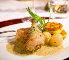 Auch Poulet eignet sich ausgezeichnet für ein Ragout, wie dieses Rezept beweist. So würzig und saftig kann es auch Gourmets begeistern.