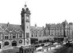 Nottingham Victoria Station forecourt in 1930.