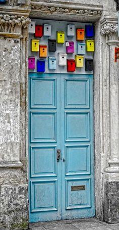 Birdhouse-friendly Doorway in Cardiff, Wales - photo by radleyfreak, via Flickr