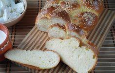 Tvarohová vánočka - krok za krokem | NejRecept.cz Sweet Cakes, Sweets, Bread, Cheese, Baking, Food, Christmas, Decor, Deutsch