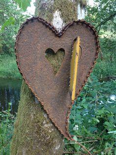 """Kathi's Garden Art Rust-n-Stuff: Rusty Heart Art """" yellow door"""" opened"""