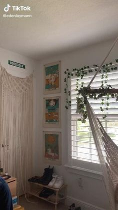 Indie Room Decor, Cute Bedroom Decor, Teen Room Decor, Room Ideas Bedroom, Small Room Bedroom, Bedroom Inspo, Chambre Indie, Pinterest Room Decor, Cozy Room