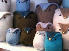 These owls are so cute! I could make a little family of these from my sweater  <3
