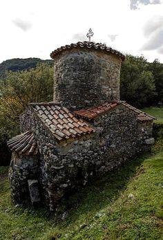 Church of St. Andrew Gortynos (11th century), Dimitsana, Arcadia, Greece | plf-travelphotos.com