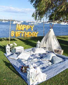 "Perth Picnics & Events on Instagram: ""Tonight's birthday date night 🐬💙"" Night Picnic, Picnic Date, Backyard Picnic, Beach Picnic, Beach Party, Picnic Decorations, Birthday Decorations, Birthday Dates, 16th Birthday"
