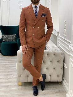 Latest Mens Suit Designs, Beige Suits, Designer Suits For Men, Slim Fit Suits, Tie And Pocket Square, Suit Fashion, Wedding Suits, Dress Codes, Mens Suits