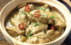 Ένα ήπιο πιάτο που προέρχεται από τη βόρεια Ινδία. Λόγω της διακριτικής γεύσης του, είναι κατάλληλο για να σερβίρεται σε κάθε περίσταση. Ο συνδυασμός από ντομάτα, τζίντζερ και μπαχαρικά προσθέτει γεύση, ενώ το γιαούρτι εμπλουτίζει τη σάλτσα.