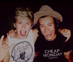One Direction Harry Styles, One Direction Pictures, Boys Who, My Boys, Niall Und Harry, Larry, Sea Wallpaper, Harry Styles Pictures, Mr Style