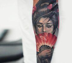 Geisha with hand fan, black and red realistic tattoo style done by tattoo artist Ata Ink Geisha Tattoo For Men, Geisha Tattoo Sleeve, Japanese Geisha Tattoo, Japanese Wave Tattoos, Geisha Tattoo Design, Japanese Tattoo Designs, Japanese Sleeve Tattoos, Tattoo Designs Men, Irezumi Tattoos