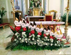 Church Flower Arrangements, Floral Arrangements, Altar Decorations, Wedding Decorations, Catholic Confirmation, Ikebana, Bouquet, Christmas Tree, Iglesias