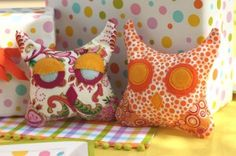 DIY owl cushions! Choose any fabric you want for it!