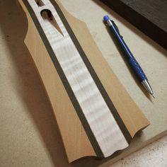"Gefällt 53 Mal, 5 Kommentare - Araz Jakalian (@jakalian_guitars) auf Instagram: ""Making progress on the neck. #guitarmaker #guitarmaking #madeincanada #woodworking #woodwork…"""