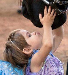 Pony kisses <3