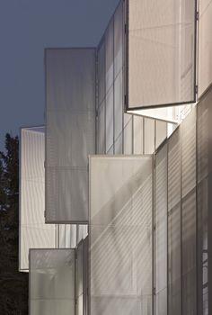 Glass Kramer Löbbert Architekten - MRI research building, Berlin 2010. Photos (C) Werner Hutmacher.