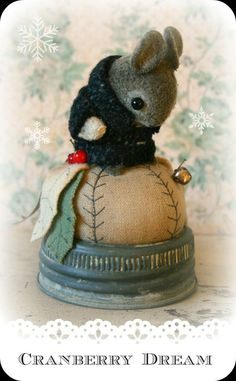 THESE LITTLE MICE - RABBITS AND HEDGEHOG Pincushions are tooooooo cute!
