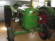 Te koop voor de echte liefhebber:deutz tractor 30 d.het geheel is in goede staat.de trekker heeft altijd binnen gestaan, de banden zijn nog redelijk.er is 'n nieuwe accu.de verlichting is nog