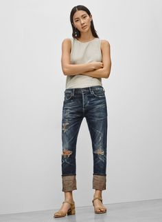 Check out the latest women's jeans from Aritzia and its exclusive brands. Shop Levi's, Denim Forum, Citizens of Humanity, AGOLDE, Frame and more. Citizens Of Humanity, New Woman, Bourbon, Classy, Denim, Clothes For Women, Jeans, Jackets, Shopping