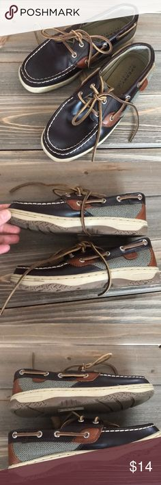 Sperry Boat Shoes Boys 2.5 Pre-loved and in great shape. A nice leather upper with multi color leather and canvas on the lower edges.   Shop smart by maximizing your shipping $. Use the filter function and peruse my closet of over 1,000 items! Bundle and save!!  AA4 Sperry Shoes Dress Shoes