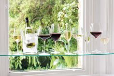 Guide to wine glasses - get prepared for spring dinner parties. Spring Watch, Dinner Parties, Interior Styling, Glass Vase, Party Ideas, Entertaining, Wine, Table Decorations, Glasses