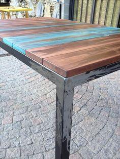 Tavolo realizzato su misura e con l'utilizzo di materiali naturali. consulta il sito boarart.flazio.com Rustic Table, Wood Table, Rustic Decor, Diy Table Top, Table 19, Turned Table Legs, Wood Design, Modern Rustic, Barn Wood