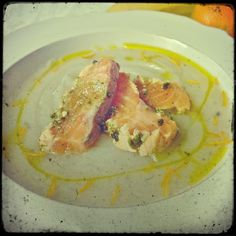 Cream of topinambur suop with mandarin's peel slices with a tataki salmon marinated with soy sauce, mint, ginger and lime...made by me!
