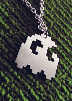 Pacman Pixel Art Ghost Geek Pendant Necklace par Graphmagics, $18,00