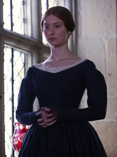 Mia Wasikowska (Jane Eyre) - Jane Eyre directed by Cary Fukunaga Charlotte Bronte, Historical Costume, Historical Clothing, Jane Eyre 2011, Vintage Dresses, Vintage Outfits, Mia Wasikowska, 19th Century Fashion, Period Outfit