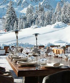 Hottest spot in town, best food ever ☃️#nammos#courchevel#mykonos#hotspot#ski#holidays#sabrinamontecarlo#lifestyle#snow#party#restaurant#nammoscourchevel