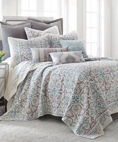 Take a look at this Gray Duomo Quilt Set today!