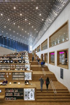 Image 14 of 29 gallery Centro Cultural Eemhuis / Neutelings Riedijk Architects. Courtesy of Scagliolabrakke, Neutelings Riedijk Architecten University Architecture, Library Architecture, School Architecture, Interior Architecture, Interior Design, City Library, Library Design, Modern Library, Learning Spaces