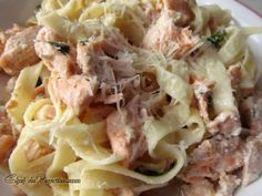 Salmon Tagliatelle – Italian Pasta     Tasty pasta dish that's easy to create from Chef dePaprika - a provider of great recipes.
