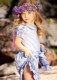 Ao contrário do que todo mundo pensa , ainda existe uma menina sonhadora dentro de mim, E isso me leva acreditar, que meus sonhos nunca terão fim….  F. Santos