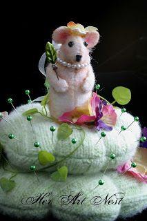 Sweet Mouse by Nancy of Her Art Nest.  Pattern by Debra Abel.