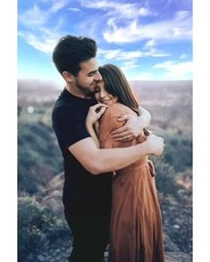 Couples Poses For Pictures, Cute Couple Poses, Couple Picture Poses, Couple Photoshoot Poses, Pre Wedding Photoshoot, Romantic Couple Images, Wedding Couple Poses Photography, Romantic Photos, Cute Couple Images