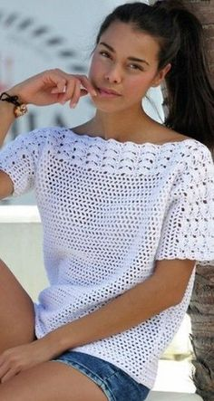 Crochet Pullover Free Pattern Crochet Pullover Free Pattern Source by . Read more The post Crochet Pullover Free Pattern appeared first on How To Be Trendy. Blouse Au Crochet, Gilet Crochet, Black Crochet Dress, Crochet Cardigan, Crochet Sweaters, Knit Crochet, Pull Crochet, Crochet Ruffle, Crochet Crowd