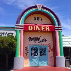 Peggy Sue's 50s Diner: Yermo, CA