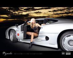 Jaguar-XJ-220-with-Hot-Babe.jpg