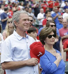 George W. Bush decided to live a quiet life after presidency and tried his best not to be involved in politics. George Hw, George Walker, Laura Bush, Barbara Bush, American Presidents, Us Presidents, George Bush Family, Hw Bush, Bio Data