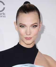 Karlie Kloss's fluttery lashes and perfectly contoured cheeks are beautiful