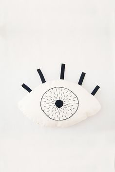 The product cojín ojo >> eye pillow is sold by umbilical in our Tictail store.  Tictail lets you create a beautiful online store for free - tictail.com