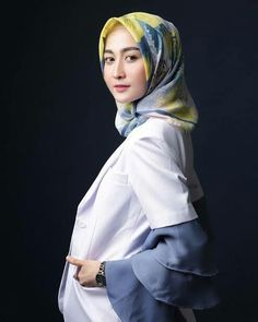 Hijab Fashion Inspiration, Style Inspiration, Anime Neko, Hani, Beautiful Hijab, Galaxy Wallpaper, Pilot, Nova, Kpop