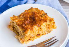 Λαζάνια με κιμά και μπεσαμέλ Lasagna, Spaghetti, Pasta, Ethnic Recipes, Food, Lasagne, Essen, Noodles, Yemek