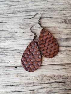 Tear drop leather earrings, textured earrings, western jewelry, gypsy boho earrings