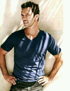 jeffrey donovan - come early morning is one of my favourite movies ever! Love him as Cal