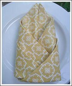 Napkin Folding Ideas guardanapos - Blog Pitacos e Achados - Acesse: https://pitacoseachados.wordpress.com - https://www.facebook.com/pitacoseachados - https://plus.google.com/+PitacosAchados-dicas-e-pitacos - #pitacoseachados