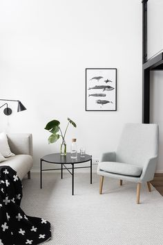Olohuone on asuntomme näkyvin tai näyttävin tila isoine ikkunoineen, kuten myös ruokailutila, joka on olohuoneen jatkumo. Molemmissa vietetään eniten aikaa perheen ja ystävien kesken, joten sisustu…