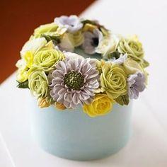 Chinese student's work.. #koreanbuttercream #2 #instagood #cake #cakeicing #buttercream #flowers #flowercake # #flower #buttercreamflowers #flowercake #kissthecake #blossom #china #케익 #케이크 #플라워케이크 #꽃 #버터크림 #키스더케이크 #버터플라워케이크 #버터크림플라워케이크